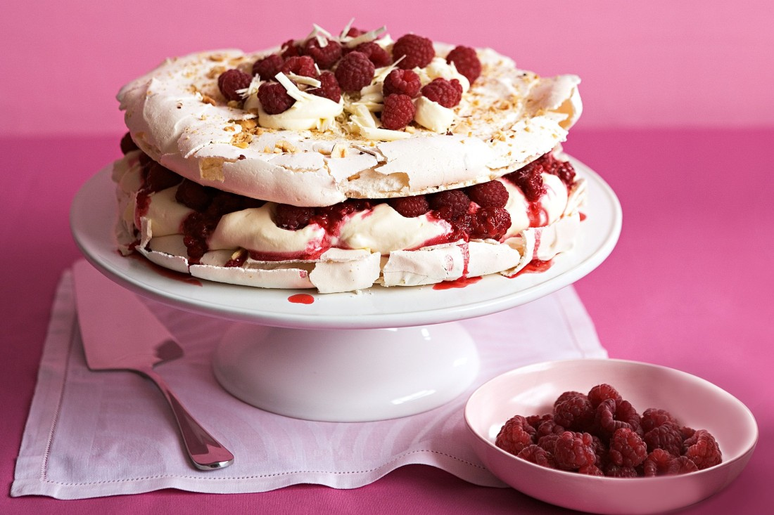 raspberry-hazelnut-meringue-torte-76862-1